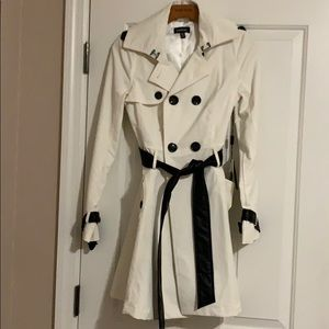 Bebe White Contrast Trim Trench Coat